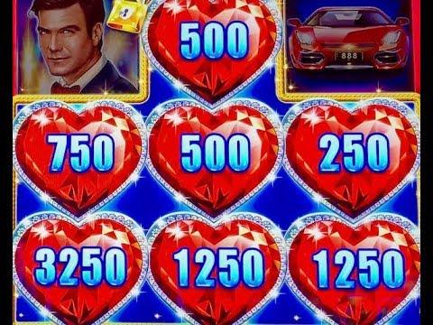 Catwalk Slot Play -310109