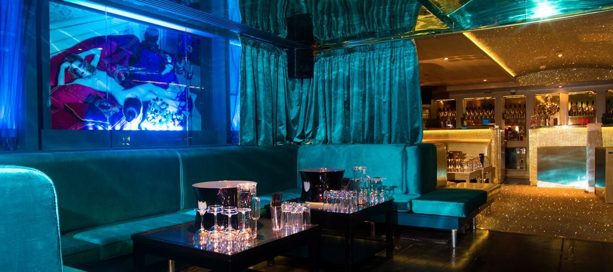 Cabaret Club Review -880600