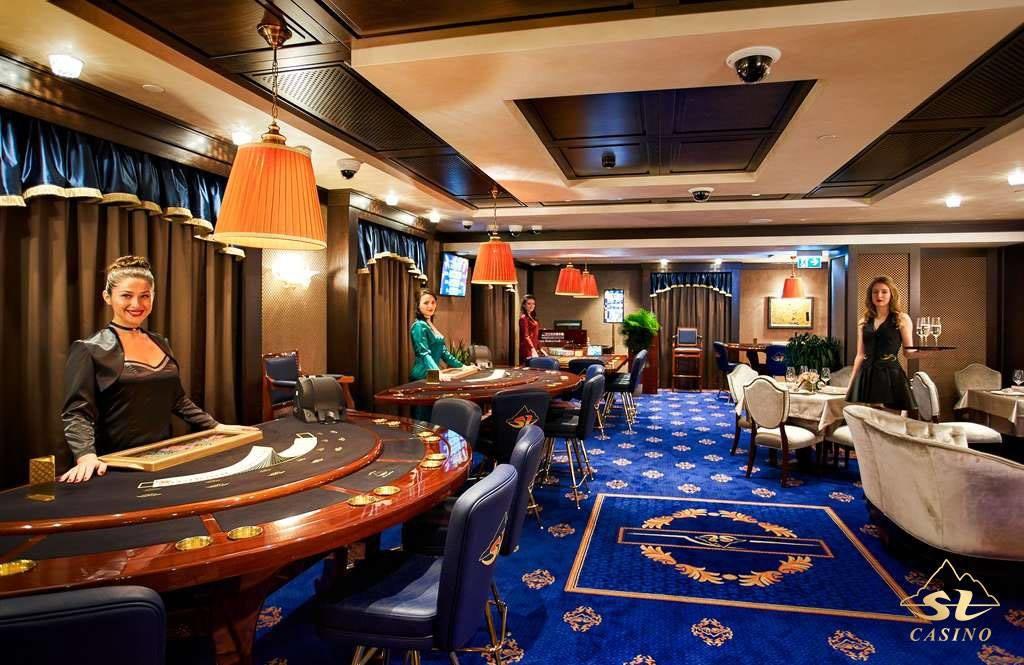Largest Casino in -819335