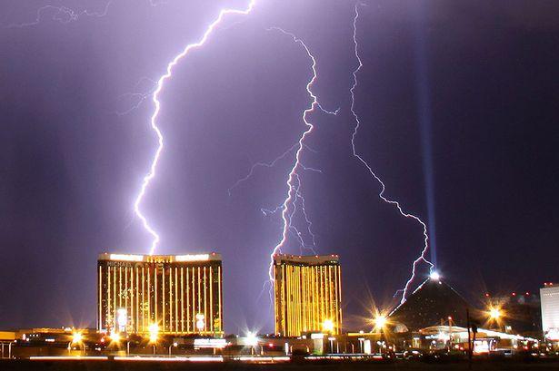Lightning Strike -563412
