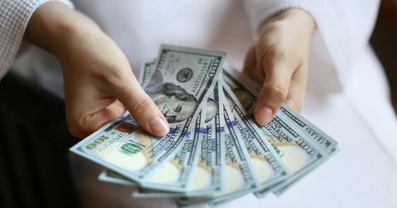 Cash in Hand -670993